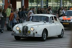 File:1961 Jaguar MK II 3.4 (9026718906).jpg - Wikimedia Commons