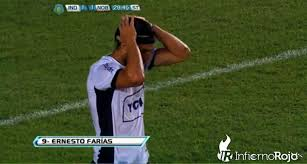 Epic penalty FAIL: Independientes Ernesto Farias v Newells Old Boys