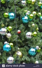 Detail Der Glänzenden Christbaumschmuck Und Led Leuchten Auf