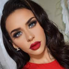 carli bybel 26 years old you superstar and makeup beauty fashion and fitness guru who publishes videos to her channel in addition she also runs a