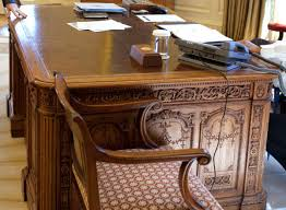 desk in the oval office. the desk in oval office d