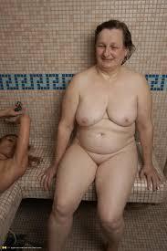 Free mature women squirting