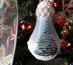 Christmas Tree Light Bulb Ornament - Crafts by Amanda