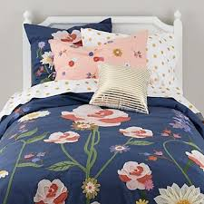 Floral Bouquet Girls Bedding in Girls Bedding   The Land of Nod