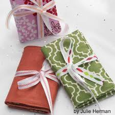 The 25+ best Small quilted gifts ideas on Pinterest | Mug rugs ... & 7 Free Small Quilting Projects Adamdwight.com