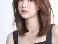 <b>Korean medium</b> hair