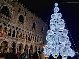 Christmas Lights In Venice Christmas In Venice 2018 Venice By Venetians