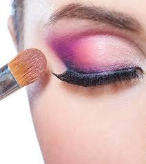 how to apply eye makeup for almond shaped