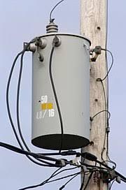 split phase electric power wikipedia Single Phase Transformer Wiring Diagram 208 110 pole mounted single phase transformer with three wire center tapped \