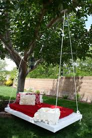 A simple hammock isn't always the best option. Some of us need a little  extra support! With this great hanging bed design, enjoy the sway of the  wind ...