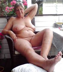 Sexy mature women naked pictures outdoors