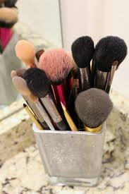 cleaning makeup brushes is one of those things that is often forgotten by many of us but it is one of the most important things to do when it es to