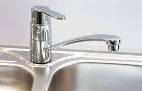 loose moen single handle kitchen faucet