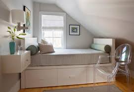 Queen Bed In Small Bedroom Queen Bed In Small Bedroom With Interallecom