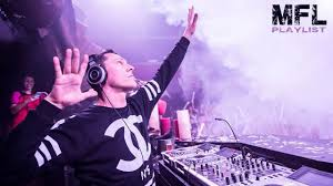Tiesto - Red Lights - BLACKED OUT EVERYTHING'S FADED ON YOUR LOVE! |  Electro house music, Music songs, Film music books