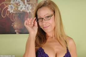 XXX porn dot pictures Mrs. Onthewood Milks Joey