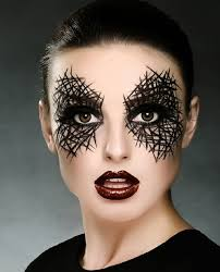 eye makeup that resembles a siderweb
