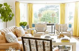 Ruang keluarga atau biasa disebut sebagai living room atau ruang tamu (meskipun sebagian orang menganggap keduanya adalah ruangan yang berbeda), adalah area umum yang paling banyak digunakan. 53 Interior Ruang Keluarga Rumah Sederhana Blog Qhomemart