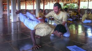 how to find a yoga teacher course in india
