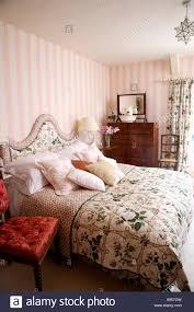 Tapeten Türkis Schlafzimmer Senioren Schlafzimmer Mit Einzelbett