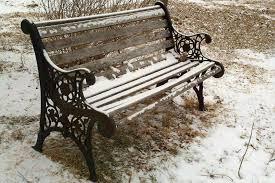 Résultats de recherche d'images pour «banc de parc en hiver»