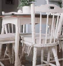 chalk painted dining table makeover