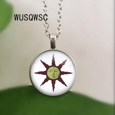 2019 wusqwsc summer necklace dark souls solar astora sun glass pendant necklaces vintage collar chain crew necklace jewelry from yanzhoucheng