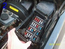 it could be corrosion but where peachparts mercedes shopforum Old Fuse Box at 88 560sl 560 Fuse Box