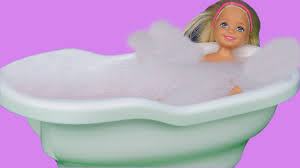 chelsea sings splashes and plays with bath toys skipper helps you