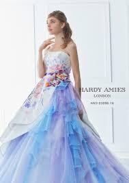 春の結婚式にもおすすめ王室のドレスも手掛ける英国唯一のオート