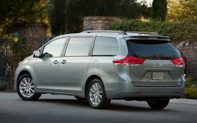 2013 Toyota Sienna Photo Gallery - Truck Trend