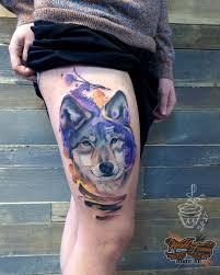 татуировка на бедре у девушки волк фото рисунки эскизы