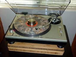a turntable like the technics sl 1200 mk ii which just fit should be fixed in place a pioneer elite dv 79avi universal player used as a source for