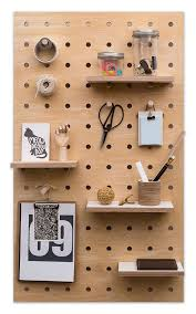 Giveaway #04 / Kreis Design Midi Pegboard