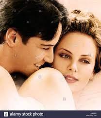 Dolce NOVEMBRE 2002 Warner film con Keanu Reeves e Charlize Theron Foto  stock - Alamy