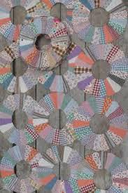 antique & vintage quilts & quilt tops & vintage quilt top blocks, dresden plate pattern quilt block, old 40's 50's  cotton print Adamdwight.com