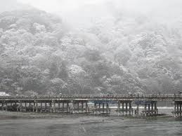 雪の嵐山 From京都 一見さん大歓迎京都 中日旅行ナビ ぶらっ人