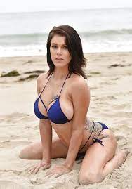 Brunette Bikini Big Tits