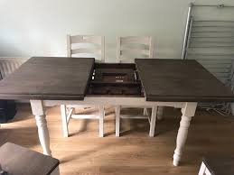 carisbrooke by barker and stonehouse extendable table and 4 chairs