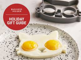 just the eggs over the mold to have yellow yolk eyes and a perfect egg white cat face urban outfitters