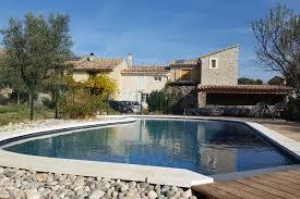 gîte avec piscine location de vacances taulignan