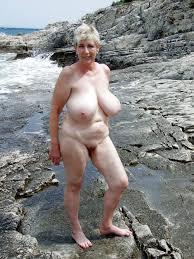 Mature mom big tits and masturbation