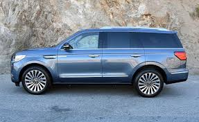 2018 lincoln navigator reserve.  lincoln weight loss power gain structural stiffening sound suppression and a  variety of other improvements make the 2018 lincoln navigator pleasure to drive in lincoln navigator reserve i