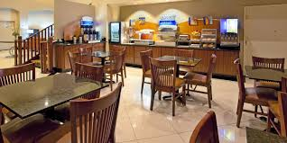 Mirage 2 Bedroom Suite Holiday Inn Express Suites Rancho Mirage Palm Spgs Area Hotel