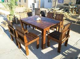 repurosed wooden pallet outdoor dining set