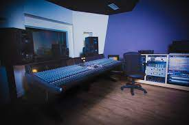 Columbia college chicago offers 11 music production degree programs. Audio Entertainment Business Programs Sae Institute Chicago