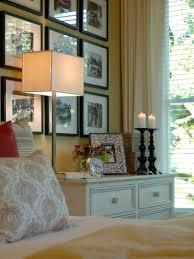 10 ways to display bedroom frames