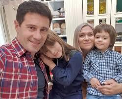 Виктория Макарская показала снимок с мужем и детьми