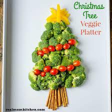 Christmas Tree Veggie Platter | realmomkitchen.com