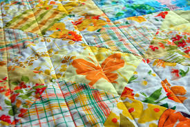 heather kojan quilts: Vintage Sheet Heart Shaped Baby Quilt Tutorial & I've wanted to open an Etsy store for ages, offering up Vintage Sheet  yardage and quilt kits. Doing this tutorial for you was the incentive I  needed. Adamdwight.com